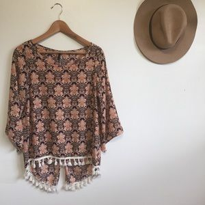 Tops - ☀️Vintage style groovy blouse with fringe